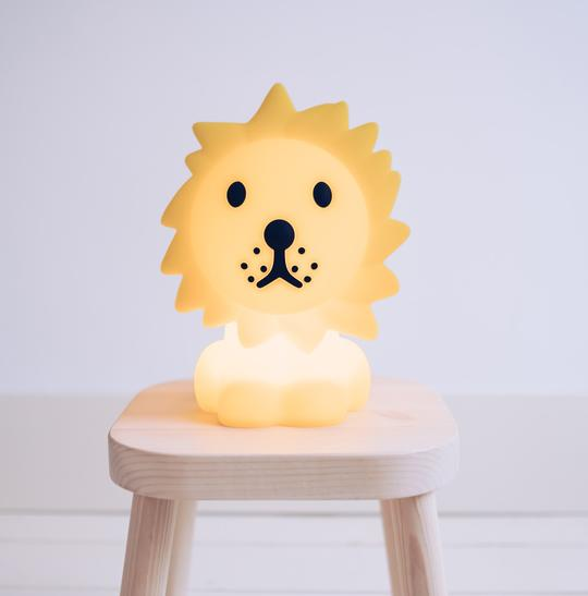Mr. Maria Φωτιστικό Νυχτός Λιοντάρι 6a - Διακόσμηση - Φωτιστικά - creamsndreams.gr
